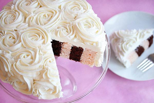 Делаем сами торт с кремовыми розами для девичника