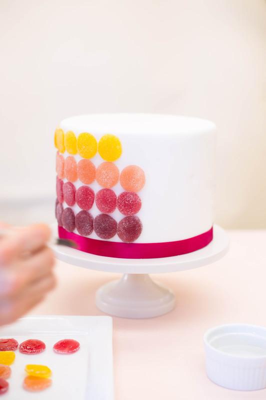 Byudzhetnyj-variant-svadebnogo-torta-marmeladom-8 Бюджетный вариант свадебного торта с мармеладом