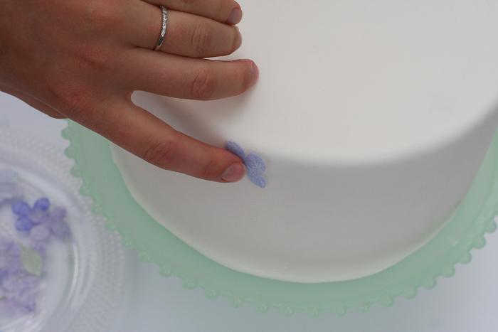 Dekor-torta-v-akvarelnom-stile-svoimi-rukami-9 Мастер-класс: Декор торта в акварельном стиле своими руками