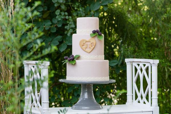 Delaem-sladkuyu-monogrammu-na-svadebnyj-tort-10 Делаем сладкую монограмму на свадебный торт