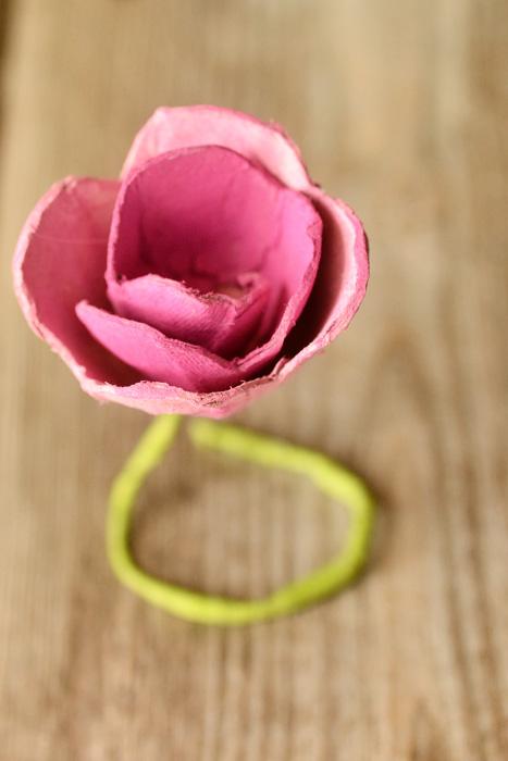 Kartochki-rassadki-v-vide-roz-109 Карточки рассадки в виде роз на свадьбу