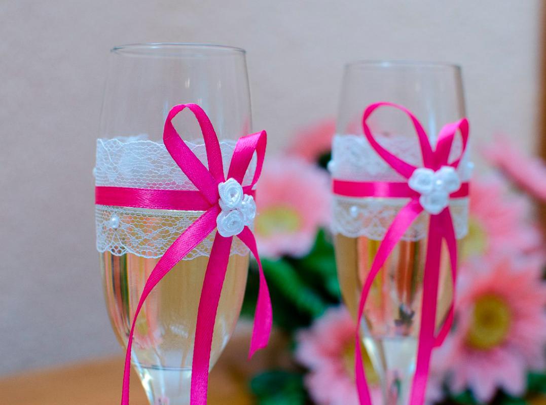 Oformlenie-svadebnyh-bokalov-i-butylok-2 Оформление свадебных бокалов и бутылок
