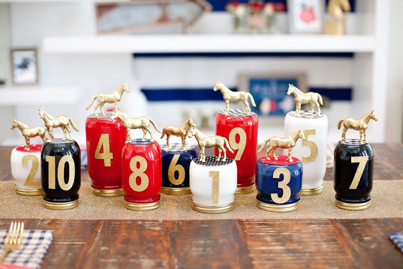 Таблички-карточки для рассадки на свадьбу с лошадьми.