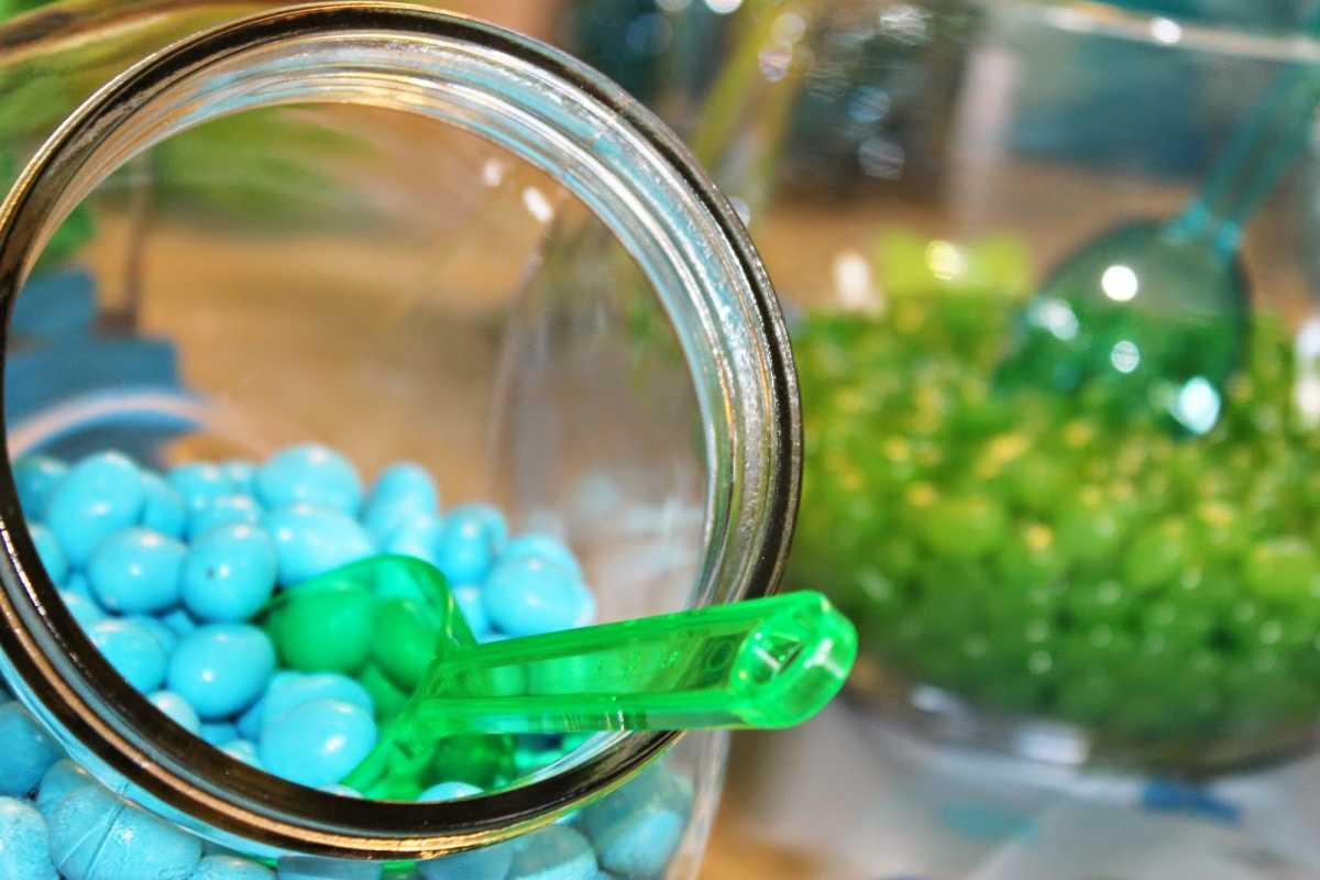 Zelenoe-svadebnoe-oformlenie-Kendi-Bara-7 Свадьба в зеленом и зеленое свадебное оформление Кэнди Бара