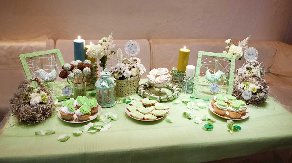Zelenoe-svadebnoe-oformlenie-Kendi-Bara Свадьба в зеленом и зеленое свадебное оформление Кэнди Бара