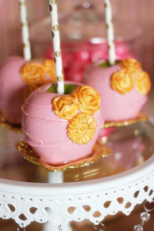 svadebnyj-kendi-bar-v-zolotom-i-rozovom-tsvete-9 Удивительный рустиковый свадебный Кэнди Бар в золотом и розовом цвете для яркой и необычной свадьбы