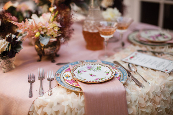 tsvetochnyj-print-v-dekore-svadby-4 Удивительные и яркие цветочные мотивы для летней свадьбы, как правильно использовать такой принт