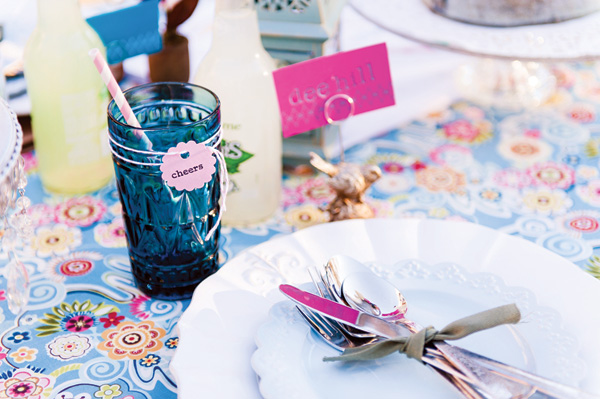 tsvetochnyj-print-v-dekore-svadby-7 Удивительные и яркие цветочные мотивы для летней свадьбы, как правильно использовать такой принт