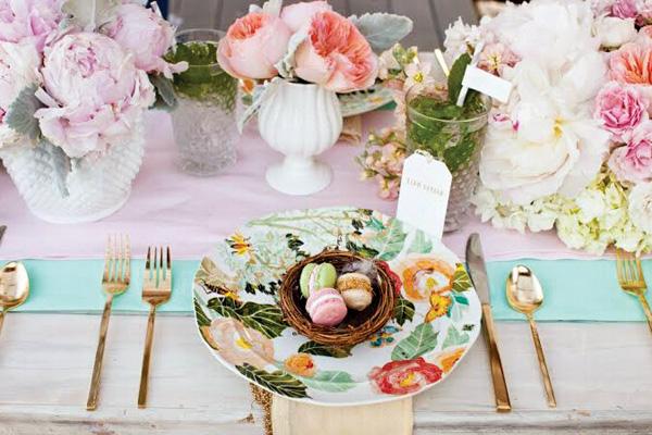 tsvetochnyj-print-v-dekore-svadby-9 Удивительные и яркие цветочные мотивы для летней свадьбы, как правильно использовать такой принт
