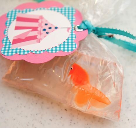 """zolotaya-rybka-v-podarok-gostyam-na-svadbu-7 """"Золотая рыбка"""" в подарок гостям на свадьбу - простой способ удивить гостей презентом в стиле хендмейд"""