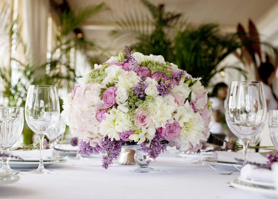 Оформление свадьбы цветами, разбираемся от чего зависит цена такого оформления