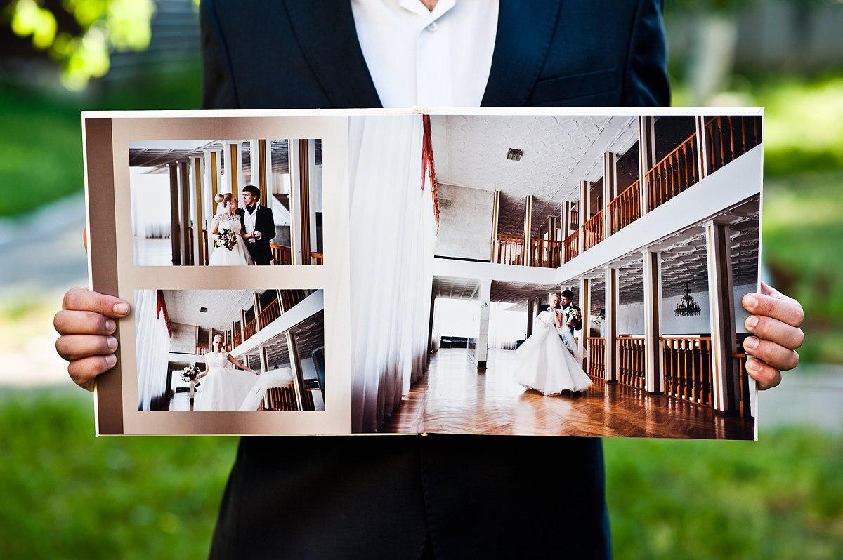Оформление свадебной фотокниги: выбирать самим или довериться фотографу