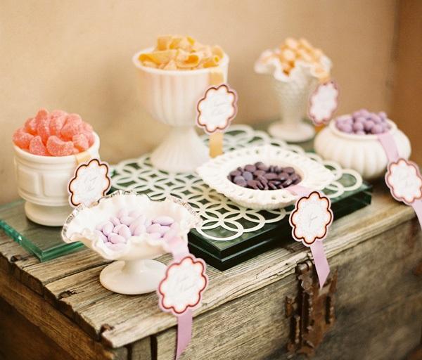1-svadebnyj-Kendi-Bar-v-derevenskom-stile Традиционные  сладости для Candy bar (Кэнди бара)