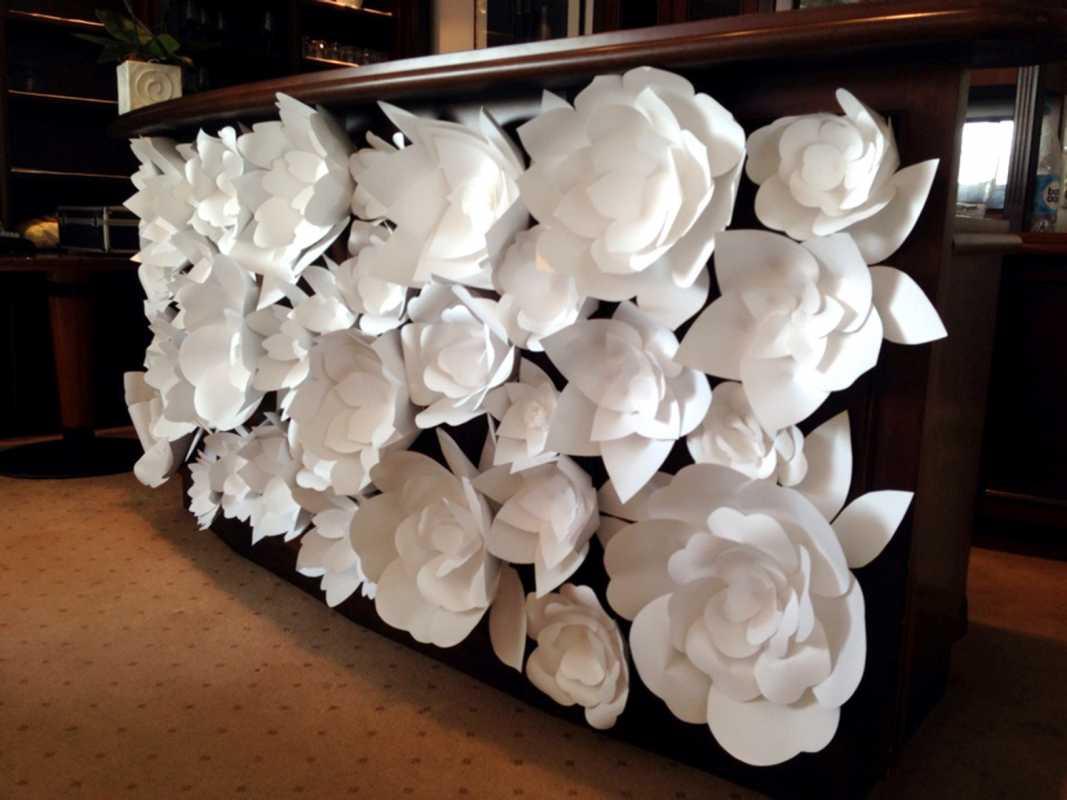 Украшение свадьбы бумажными цветами – простой способ сделать не дорогой декор своими руками