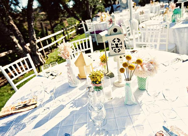 dekor-svadby-tsvetami-iz-bumagi-2 Декор свадьбы бумажными цветами, кто сказал что хендмейд не может быть модным?