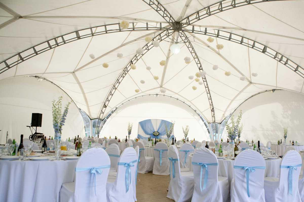 dekor-svadebnyh-shatrov-9 Оформление свадебных шатров при выездной церемонии регистрации брака