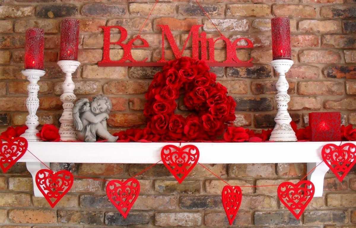 dekorativnoe-tsvetochnoe-serdtse-6 Сердце из цветов на свадьбу, как использовать такой необычный декор на своем торжестве?