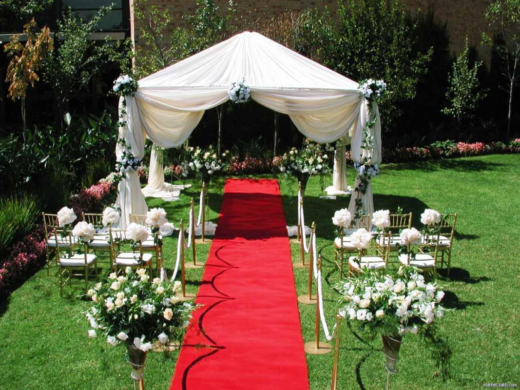 dorozhka-k-altaryu-na-svadbe-6 Красивое и праздничное оформление дорожки к алтарю для выездной свадебной церемонии
