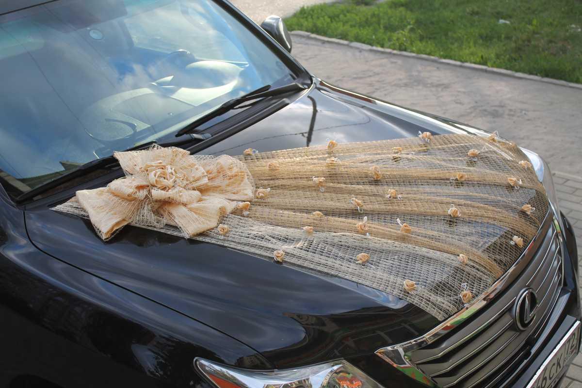 oformlenie-svadebnogo-avto-svoimi-rukami-3 Свадебное оформление машин своими руками, что потребуется для создания подобающего декора
