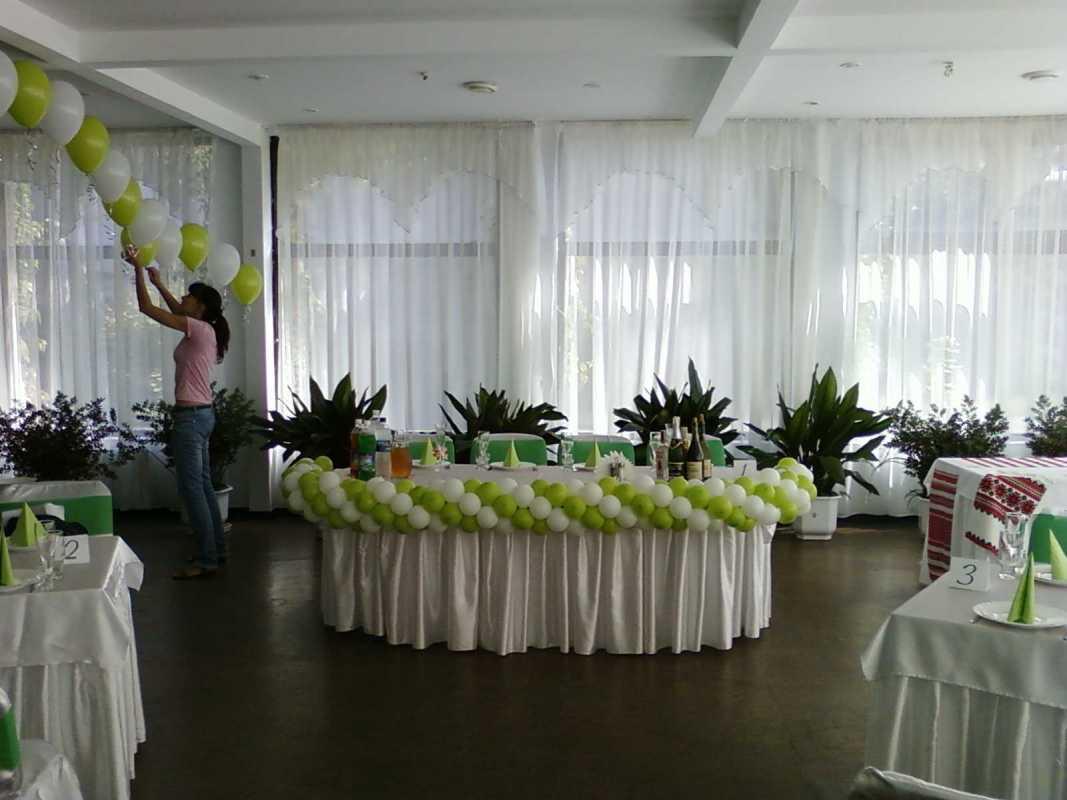 shary-na-svadbu-svoimi-rukami-4 Украшение из шаров на свадьбу своими руками, варианты использования воздушного декора