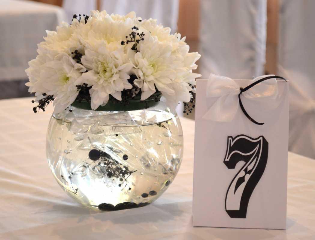 svadba-v-belom-tsvete-7 Украшение зала на свадьбу в белом цвете, как организовать, чтобы торжество не получилось скучным и блеклым