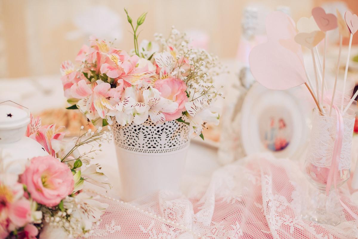 svadba-v-rozovom-tsvete-4 Розовое оформление свадебного зала, как не сделать торжество слишком девчачьем