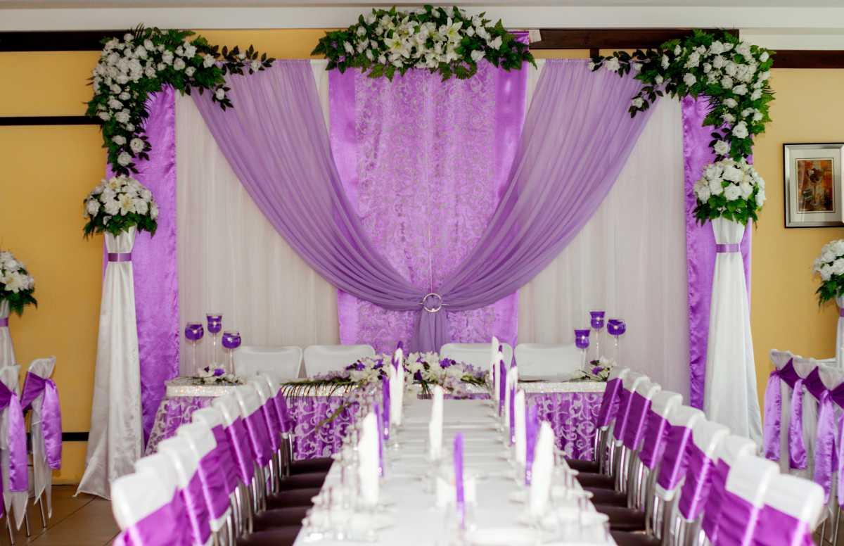 svadba-v-sirenevom-tsvete-2 Свадебное оформление в сиреневом цвете в сочетании с белым цветом для летней свадьбы
