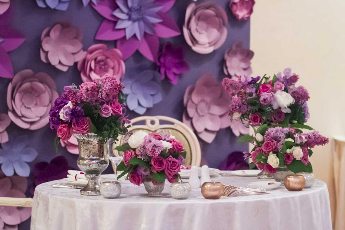 svadba-v-sirenevom-tsvete-9 Свадебное оформление в сиреневом цвете в сочетании с белым цветом для летней свадьбы