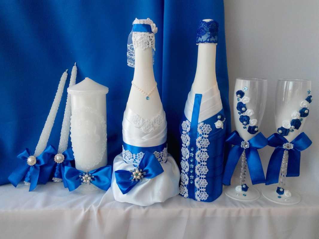 svadebnye-butylki-shampanskogo-2 Оформление свадебных бутылок шампанского: несколько идей по оформлению бутылок на свадьбе
