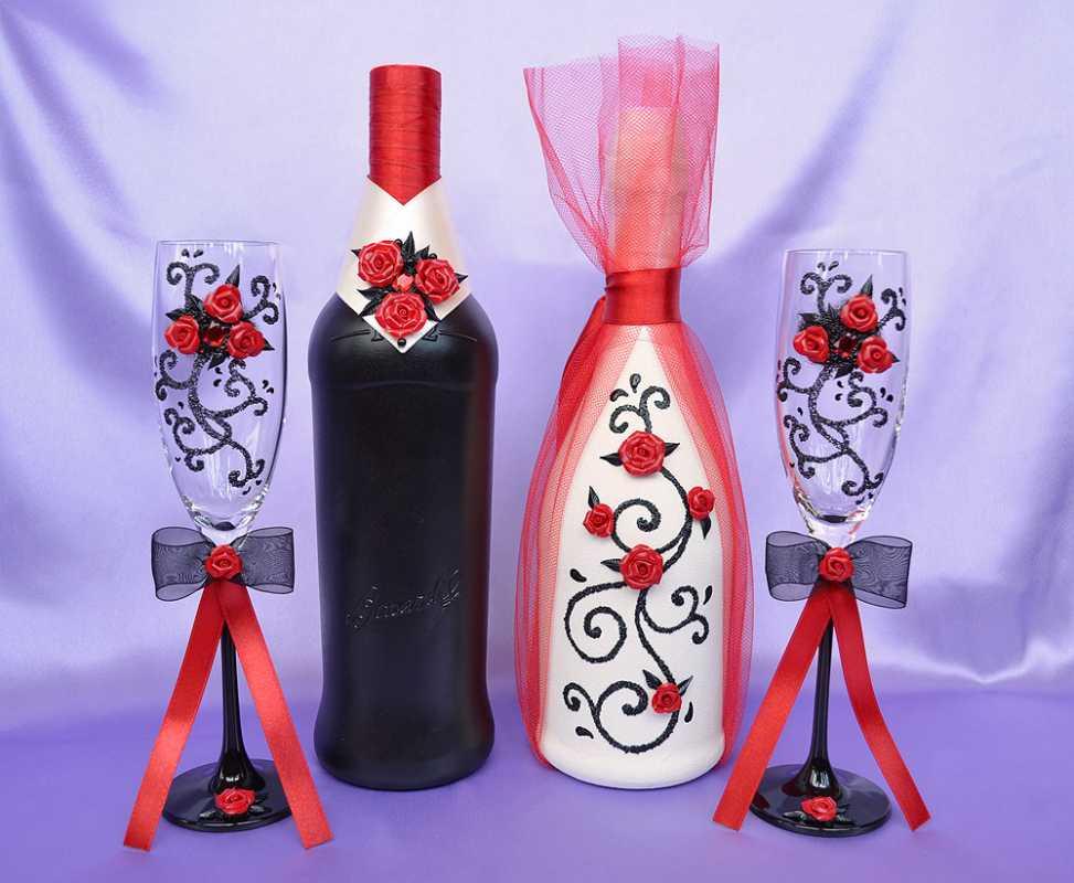 svadebnye-butylki-shampanskogo-5 Оформление свадебных бутылок шампанского: несколько идей по оформлению бутылок на свадьбе