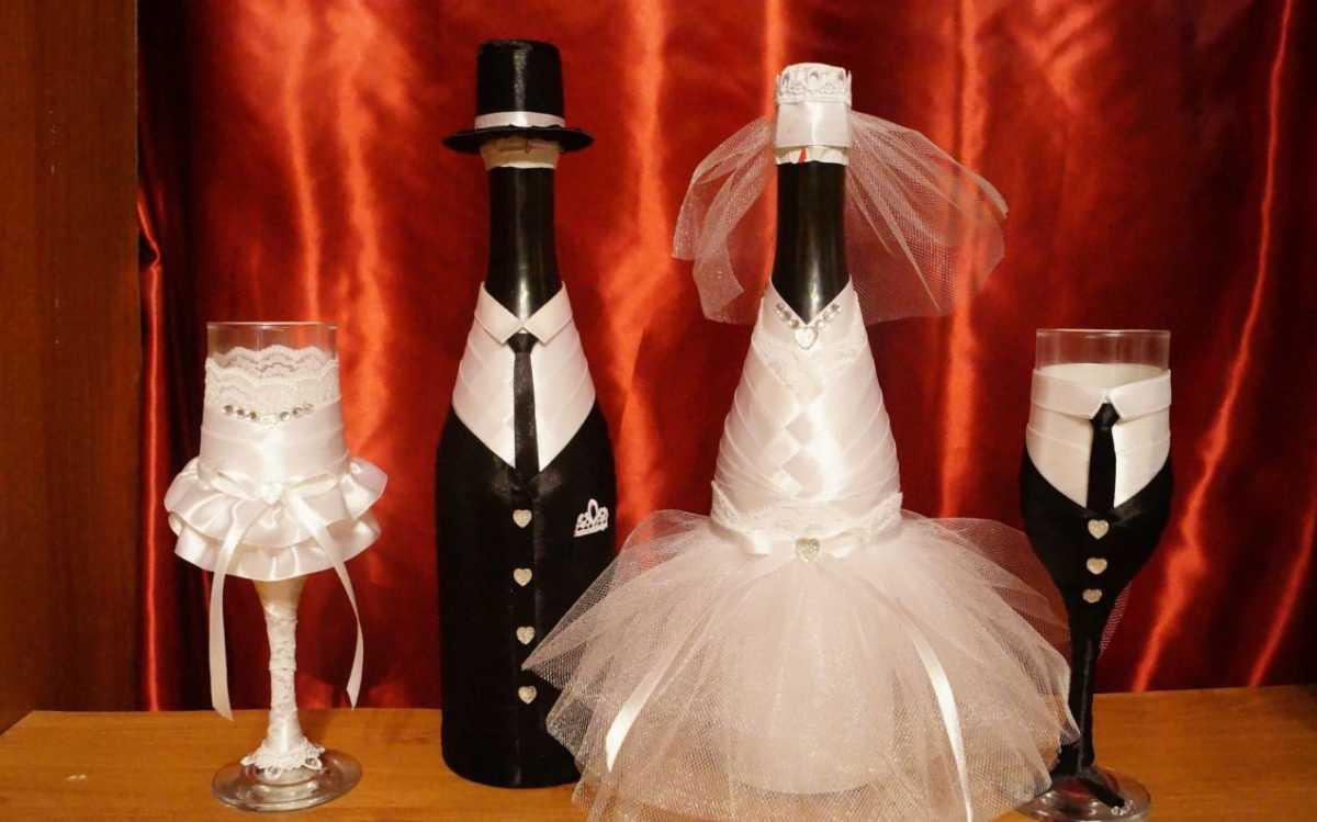 svadebnye-butylki-shampanskogo-7 Оформление свадебных бутылок шампанского: несколько идей по оформлению бутылок на свадьбе