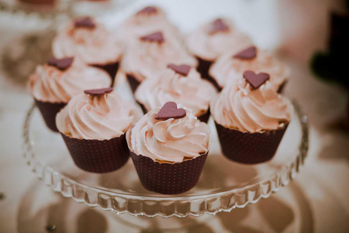 svadebnyj-persikovyj-Kendi-Bar-9 Свадьба в персиковом цвете, оформление Кэнди Бара для такого торжества
