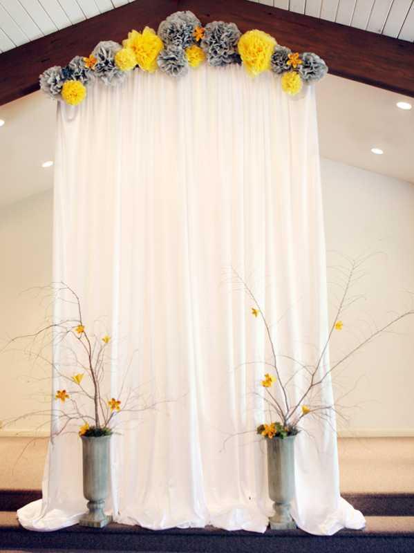 zheltyj-dekor-na-svadbe-8 Использование желтых декораций для придания официальному торжеству свежести и яркости