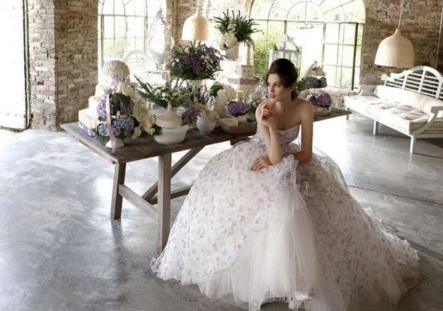 852-svadebnie-platya-s-cvetochnym-printom Как продать свадебное платье после свадьбы