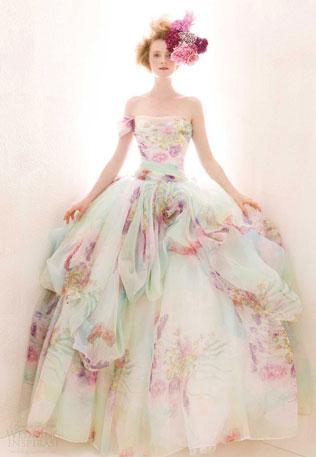 97-svadebnie-platya-s-cvetochnym-printom Как продать свадебное платье после свадьбы