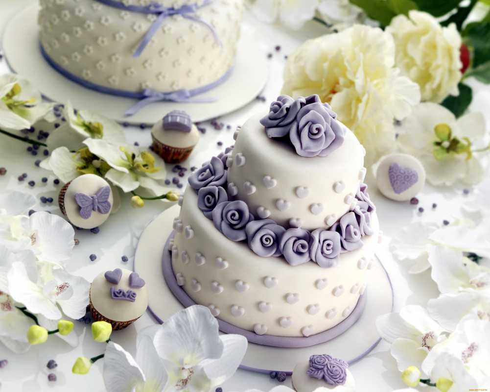 dekor-dlya-svadebnogo-torta-7 Советы по выбору свадебного торта, как не допустить ошибки при выборе главного угощения торжества?