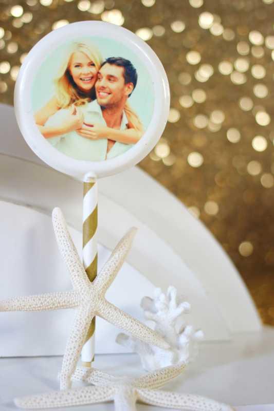 kendi-bufet-na-svadbe-4 Делаем гламурный Кенди Бар на свадьбу в золотом цвете с добавлением белого декора