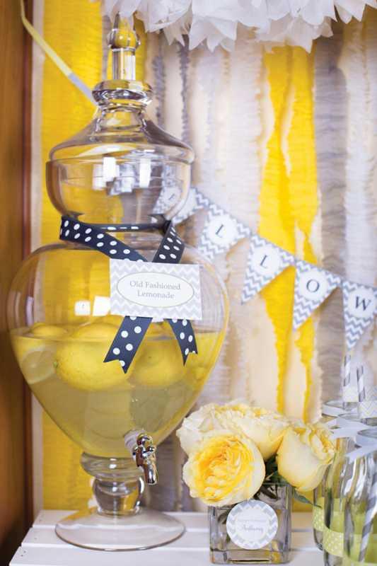 sero-limonnyj-kendi-bar-6 Серо-желтый Кенди Бар для украшения осенней свадьбы
