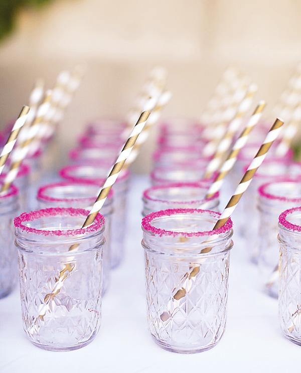svadba-s-bumazhnym-dekorom-7 Простой декор на свадьбу из бумаги: делаем сами яркие декорации для торжества