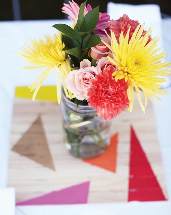 svadba-s-bumazhnym-dekorom-9 Простой декор на свадьбу из бумаги: делаем сами яркие декорации для торжества