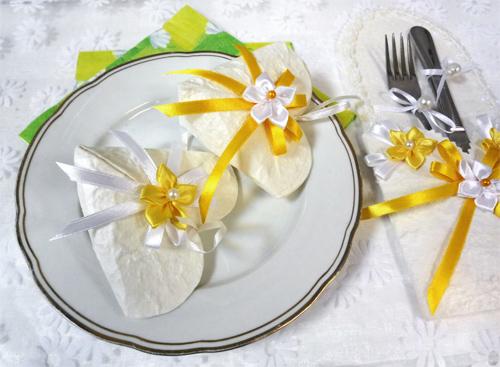 stolovyj-dekor-dlya-romashkovoj-svadby Ромашковая свадьба - один из вариантов оформления свадьбы в цветочно-ромашковом стиле