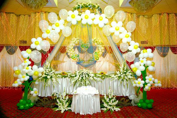 Ромашковая свадьба – один из вариантов оформления свадьбы в цветочно-ромашковом стиле