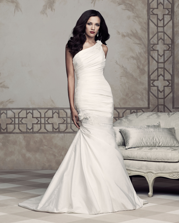 paloma-blanca-bridal-2013-4353 Свадебная геометрия: в моде асимметрия