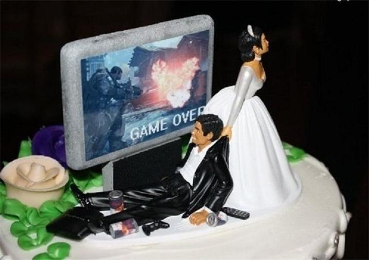 t1 На скамейке запасных, свадебный торт угощение или украшение?